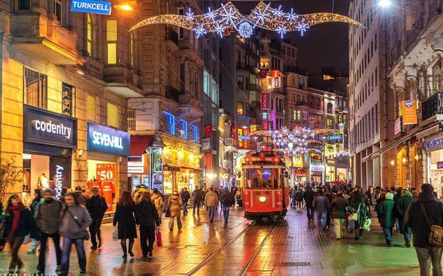 خیابان استقلال استانبول-شرکت مسافرتی هفت گنج